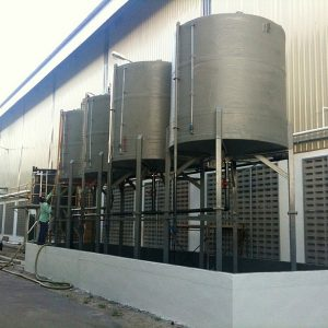FRP chemical tank with legs