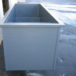 PVC square tank with internal partition